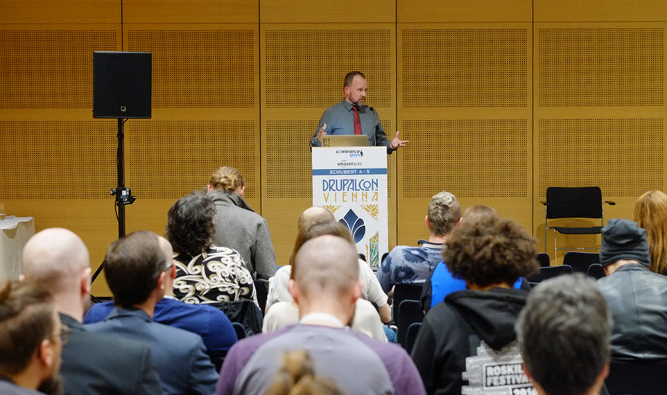 scott weston presenting at DrupalCon Viena